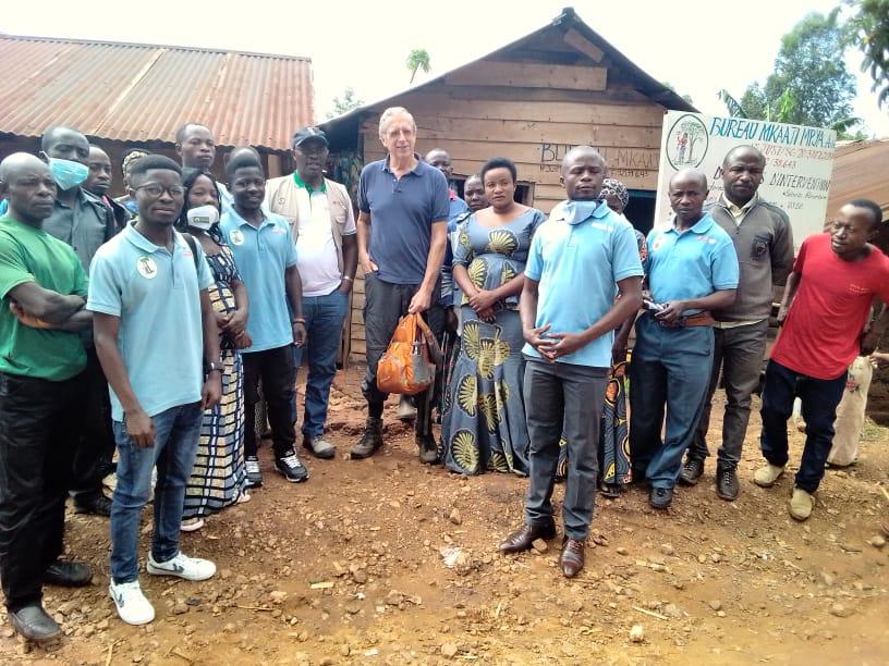 Le projet d'adduction d'eau pour le village de Cibandja dans le territoire de Kalehe, Mkaaji Mpya asbl reçoit pour la deuxième fois un expert d'ISF-Belgique pour la mise en place d'un état de lieu.